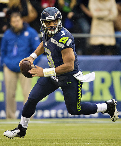 400px-Russell_Wilson_vs_Jets,_November_11,_2012