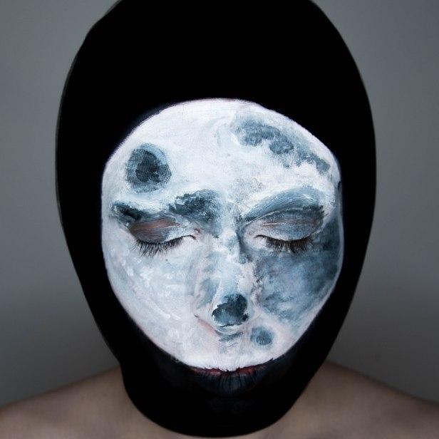 moon face paint